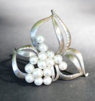 https://www.etsy.com/ca/listing/471006146/vintage-sterling-silver-and-pearl?