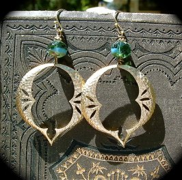 https://www.etsy.com/ca/listing/77035830/gold-hoop-earrings-with-green-glass?