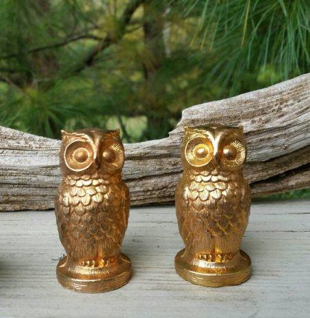 https://www.etsy.com/listing/471704422/owl-salt-pepper-shaker-set-gold-plated?