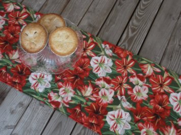 https://www.etsy.com/listing/477133085/amaryllis-christmas-table-runner-holiday?