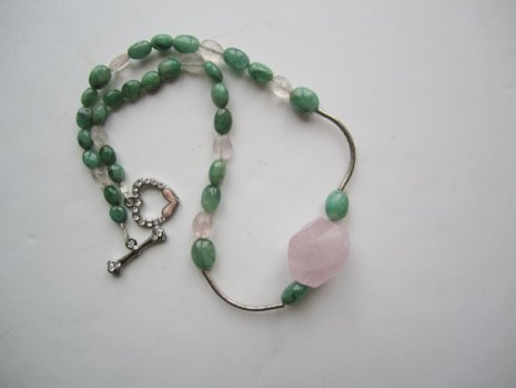 https://www.etsy.com/listing/221703620/rosequartz-and-emerald-necklace-green?