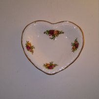https://www.etsy.com/ca/listing/483357895/vintage-royal-albert-heart-shaped-bone?