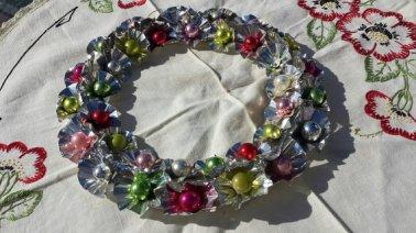 https://www.etsy.com/ca/listing/485599763/vintage-1960s-aluminum-christmas-wreath?