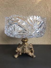 https://www.etsy.com/ca/listing/475557286/vintage-heavy-crystal-bowl-on-metal-base?