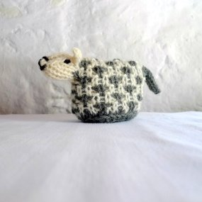 https://www.etsy.com/ca/listing/248575678/collectible-miniature-sheep-handknit?