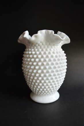 29-milk-glass-vase