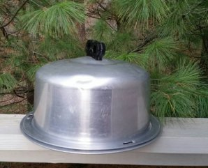 https://www.etsy.com/ca/listing/489331685/regal-aluminum-cake-carrier-with-black?