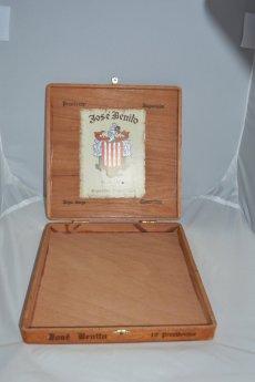 https://www.etsy.com/ca/listing/261695494/vintage-wood-cigar-box-jose-benito?