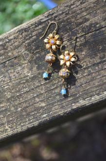 https://www.etsy.com/ca/listing/517574595/golden-flower-earrings-with-vintage-blue?