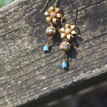 https://www.etsy.com/ca/listing/517574595/golden-flower-earrings-with-vintage-blue?