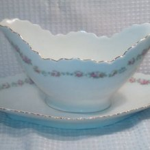 https://www.etsy.com/ca/listing/387541606/antique-gravy-boat-sauce-server-with?