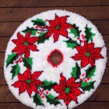 https://www.etsy.com/ca/listing/545775258/vintage-hooked-christmas-tree-skirt-red