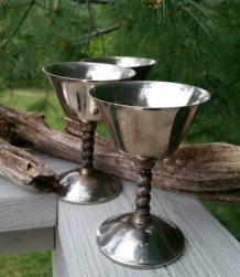 https://www.etsy.com/ca/listing/384392394/vintage-silverplate-wine-goblets-made-in?