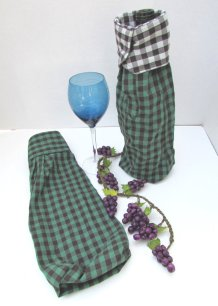 https://www.etsy.com/ca/listing/385719402/groomsmen-wine-bottle-gift-bags-set-of-2?