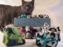 https://www.etsy.com/ca/listing/86846999/mini-crinkle-cat-toys-set-of-two?