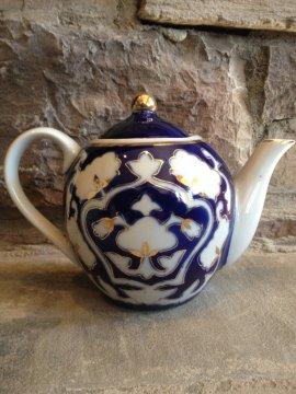 https://www.etsy.com/ca/listing/215391241/blue-white-teapot-cobalt-gold-gilt?