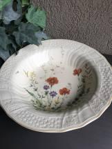 https://www.etsy.com/ca/listing/538650579/margaux-mikasa-soup-bowl-large-rim-d1006?