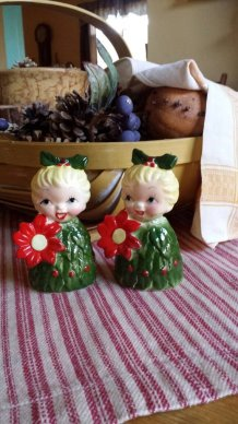 https://www.etsy.com/ca/listing/492714717/salt-and-pepper-shakers-poinsettia?